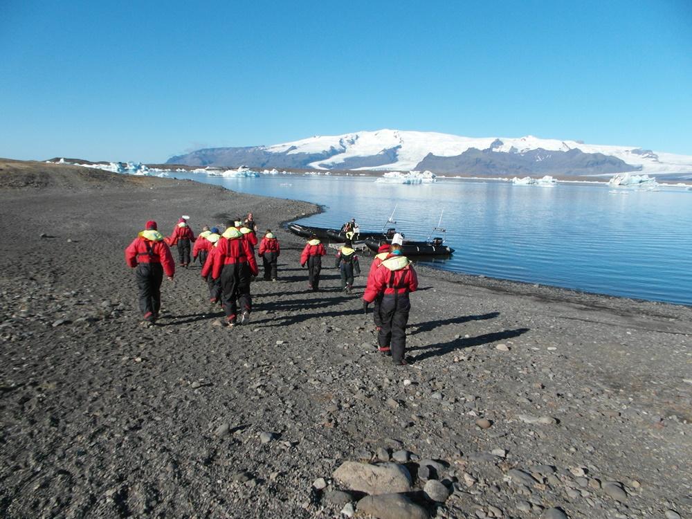 Varen over een ijsbergmeer